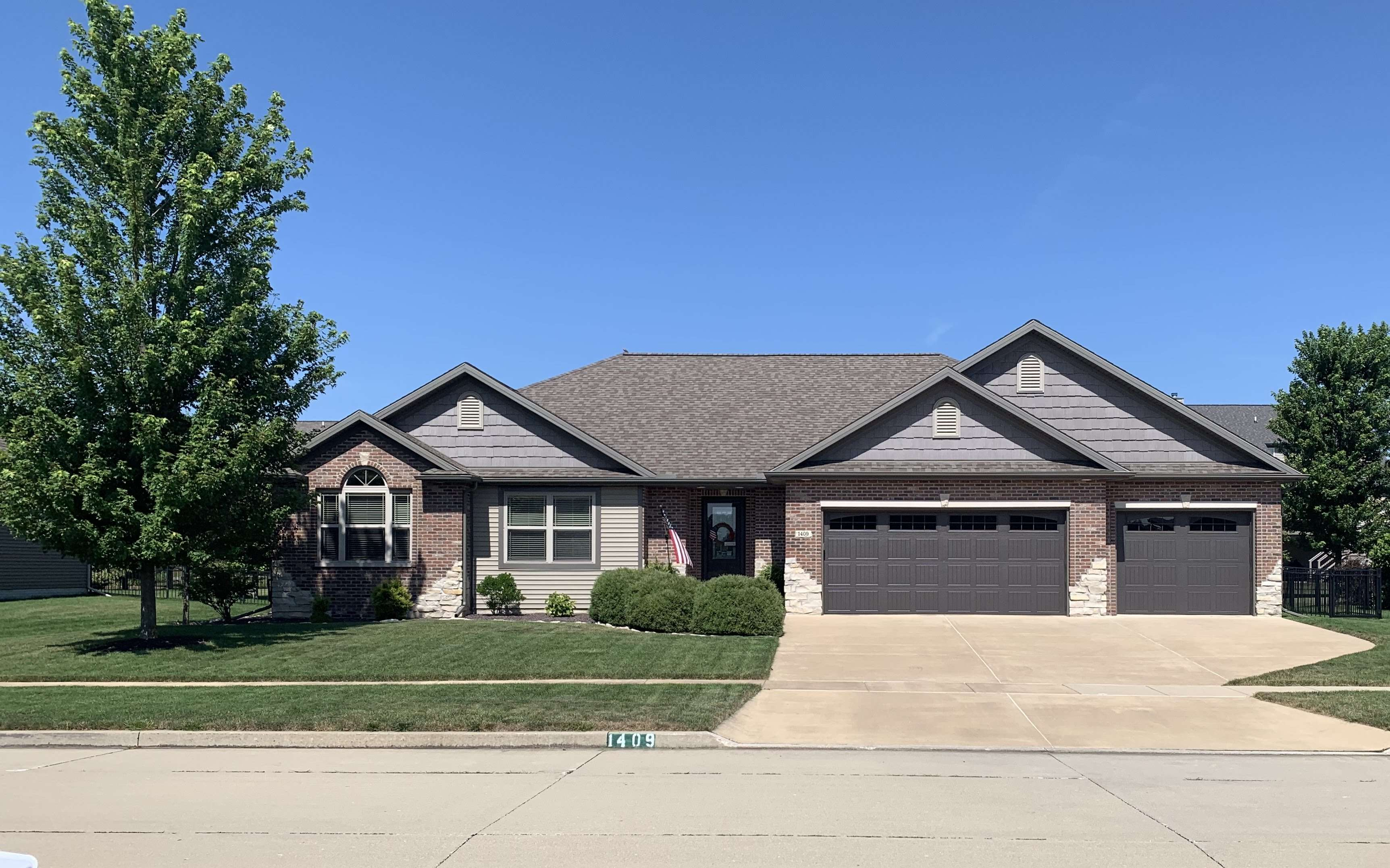 157 Homes Bloomington, Illinois Homes For Sale By Owner ...