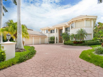 35 Homes Royal Palm Yacht Country Club Boca Raton Florida Homes For Sale By Owner Byowner Com