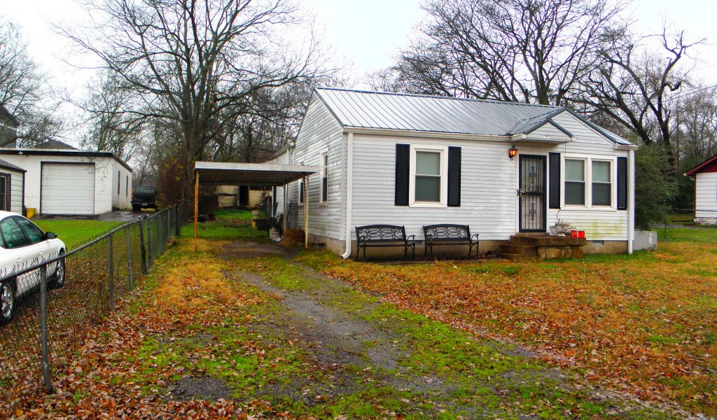 944 Youngs Ln, Nashville, Tennessee image 2