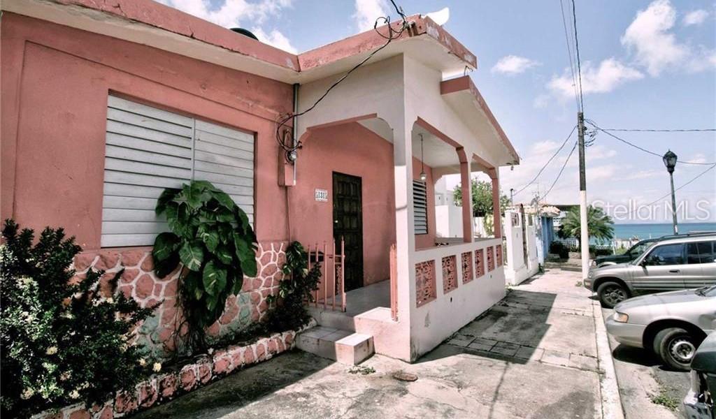 131 Calle Munoz Rivera, VIEQUES, Puerto Rico image 2