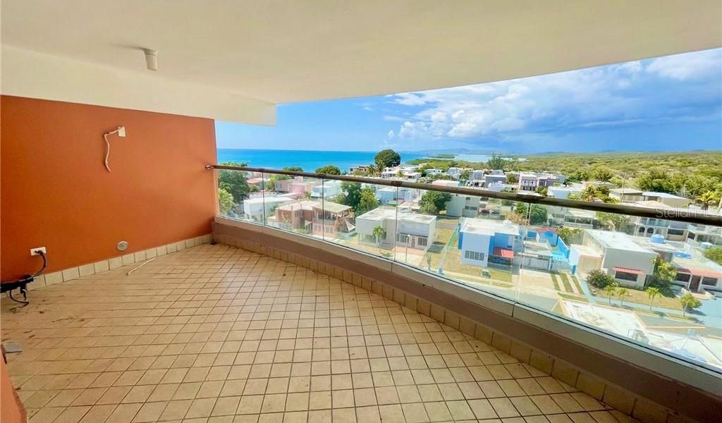 COND. TORRE DE PLAYA Arenas- Calle 2 #198 #703, GUANICA, Puerto Rico image 5
