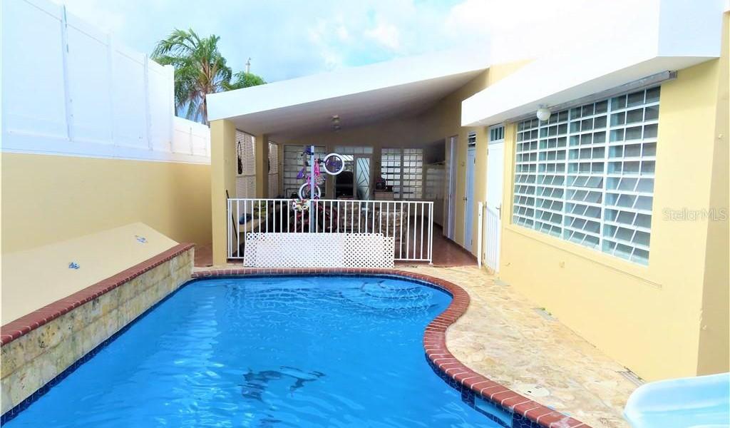 ST GARDENIA Urb. Los Pinos #521, YAUCO, Puerto Rico image 3